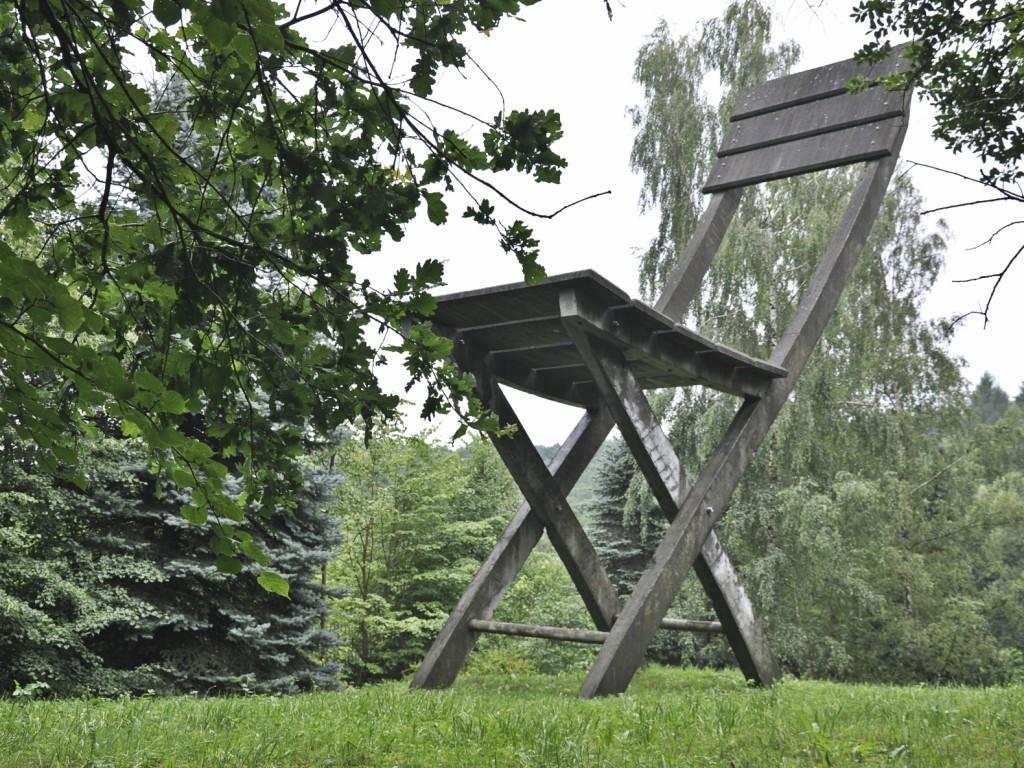 Pomnik Krzesła, zcyklu Pomniki Niemożliwe Tadeusza Kantora, Hucisko, Tadeusz Kantor Foundation